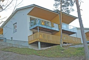 Espoo Saunaniemi: kohteemme Tapulimäki 4-6 valmistuu ja muutama asunto on myytävänä. Tapulimäki sijaitsee Espoon Saunaniemessä, luonnonläheisellä alueella.