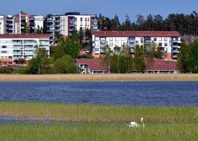 Uusi pientalo meren rannalla Espoossa on harvinaisuus